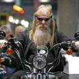 DO KIEROWCÓW MOTOCYKLI JAK POSTĘPOWAĆ NA DRODZE, BY KIEROWCA SAMOCHODU CHOĆ TROCHĘ POLUBIŁ KIEROWCĘ MOTOCYKLA?