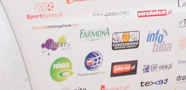 Świat dowiedział się o naszej stronie i o kampaniiPOROZUMIENIE BEZPIECZNI KIEROWCYdzięki ekipie E4KONGO nasze koszulki i logo znajdziecie w galerii poniżej A tutaj pełna galeria z tej wyjątkowej wyprawy: